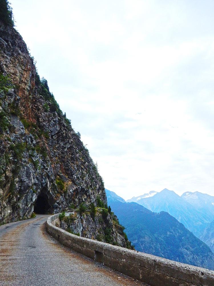 Route de la Roche d'Auris